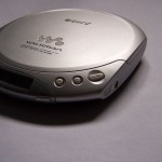 800px-sony_cd_walkman_d-e330
