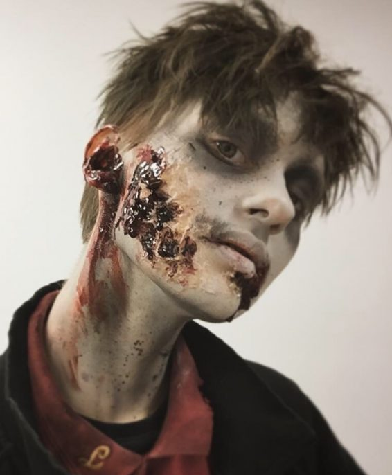 T.G.I.F. Gabriel Jobbar bla som Zombie på Liseberg